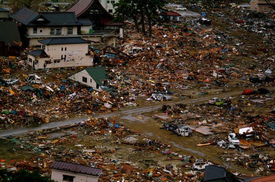 Opustošenje po cunamiju na Japonskem leta 2011. Foto: CECAR