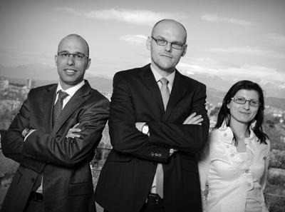 zamegljeno vodstvo -majhna2 Vodstvo protikorupcijske komisije: Goran Klemenčič (v sredini), Liljana Selinšek in Rok Praprotnik. Foto: kpk-rs.si