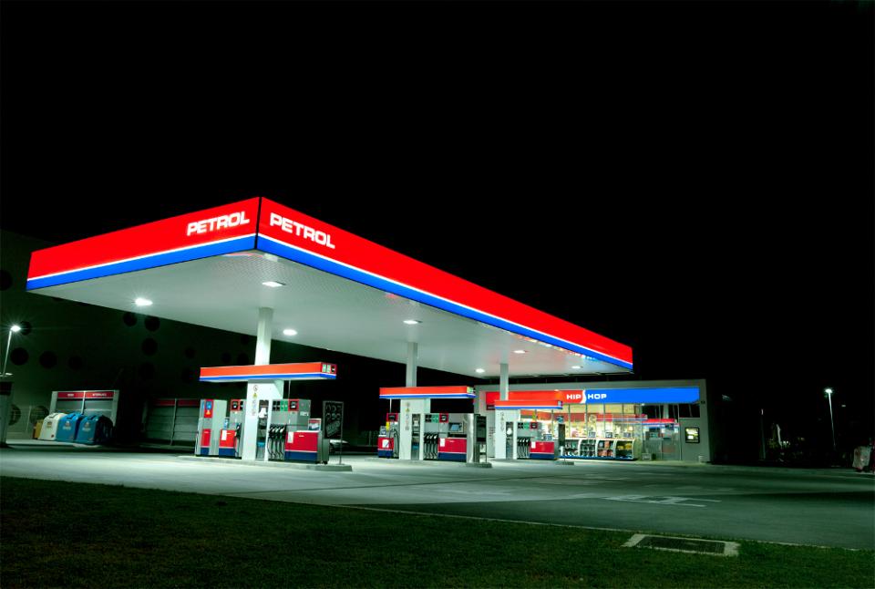 petrol bencinski_servis_nocna