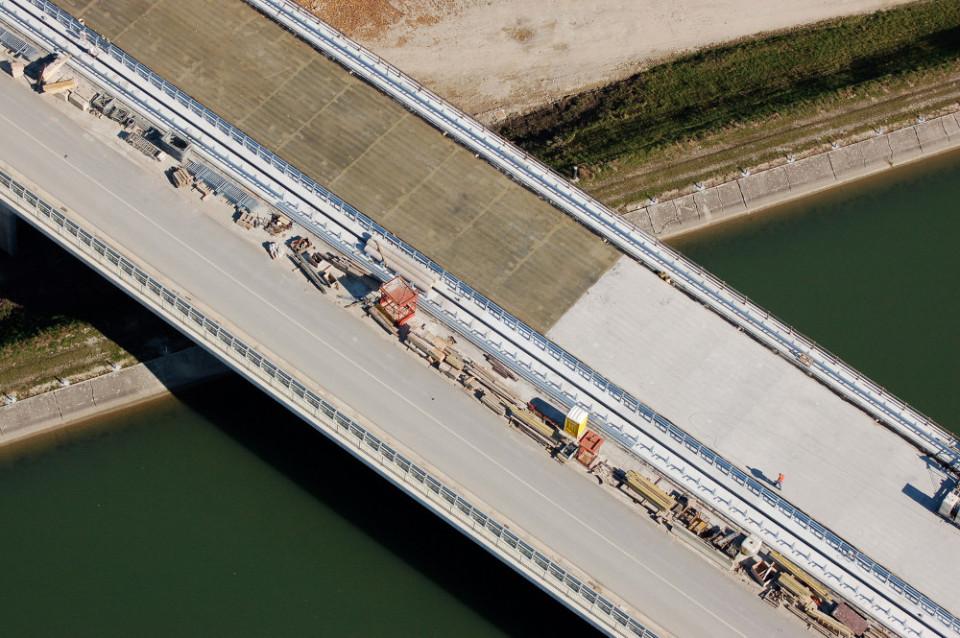 Diskriminatorna naročila so se izvajala tudi za gradnjo avtocest. Foto: Dars