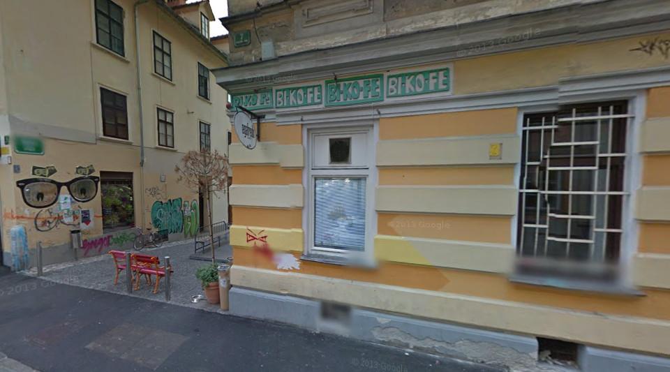Precej dela na črno je tudi v gostinstvu. Leta 2011 so inšpektorji tako zaradi zaposlovanja na črno kaznovali priljubljen ljubljanski lokal Bikofe. Foto: Google maps