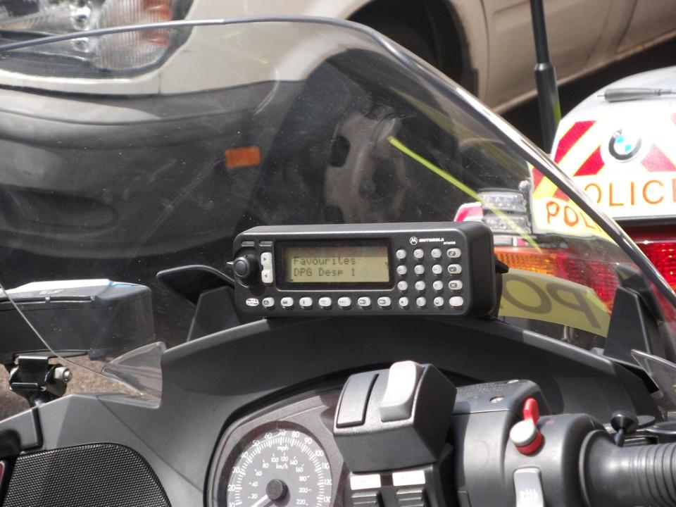 Mobilna postaja Tetra, nameščena na motor londonske policije. Foto: Christopher Paul/Flickr