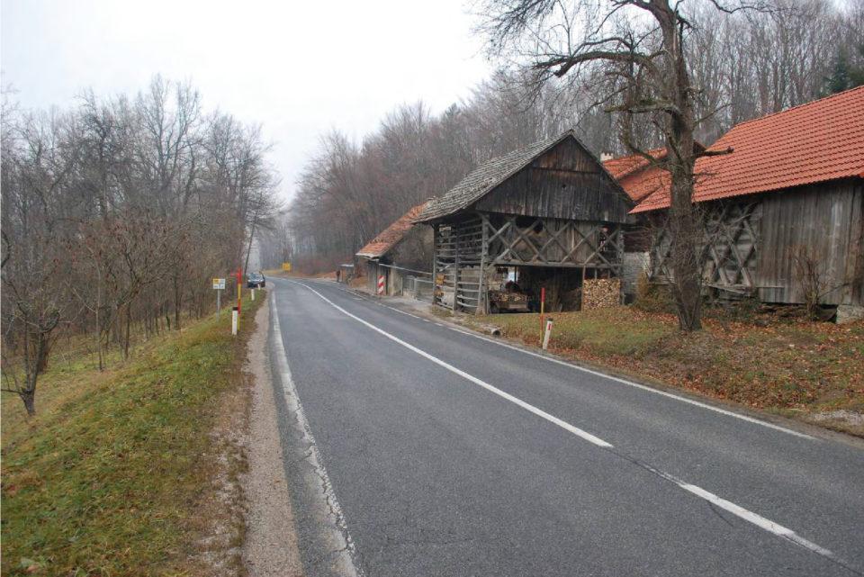 Pogled na potek ceste v smeri proti Škofljici. Foto: DRSI