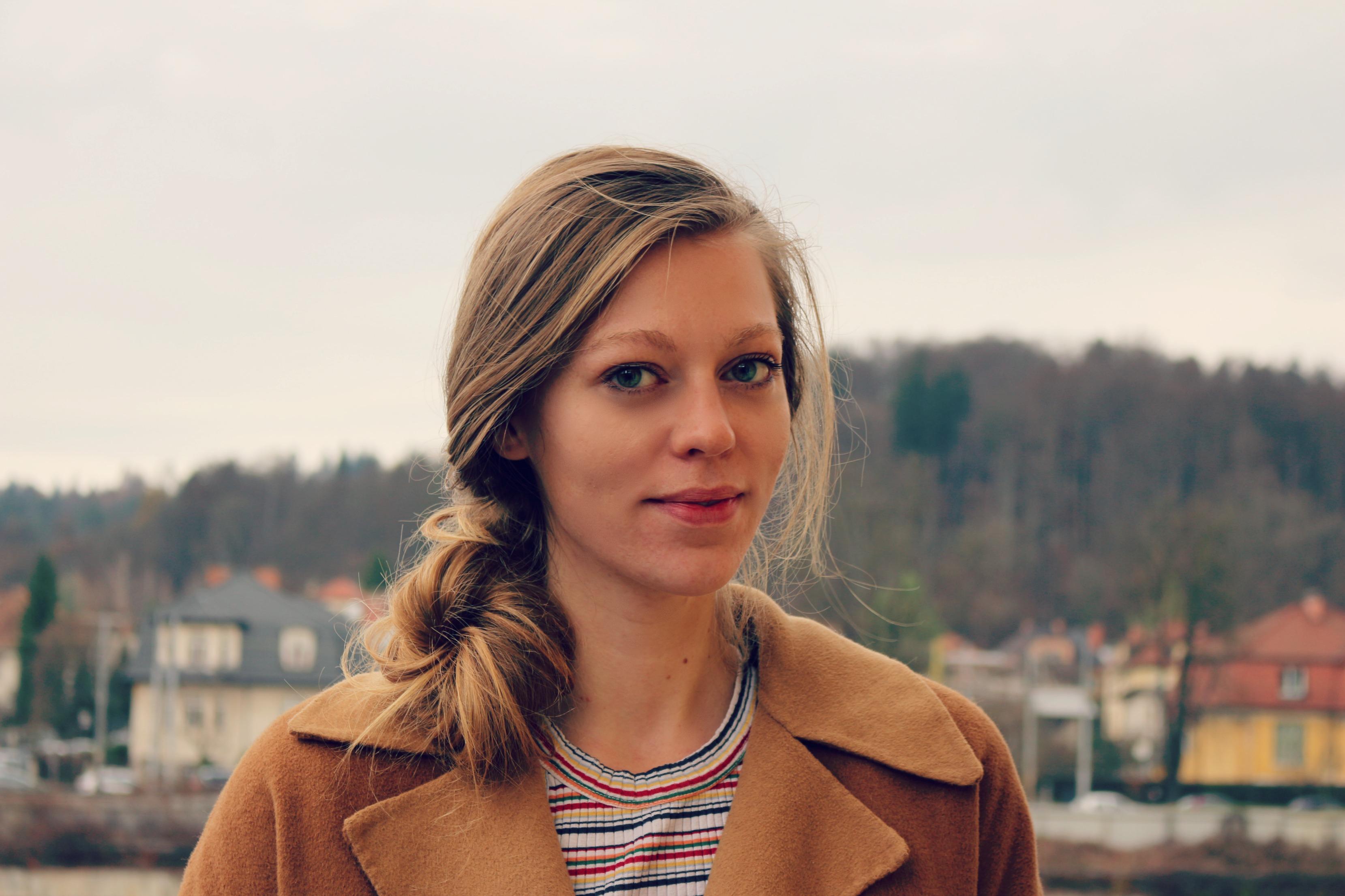 Novinarka podcrto.si Tanja Pirnat, nagrajenka Društva novinarjev Slovenije za debitantko leta 2016. Foto: Taja Topolovec